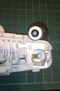 bmw e90 テールウインカー球交換
